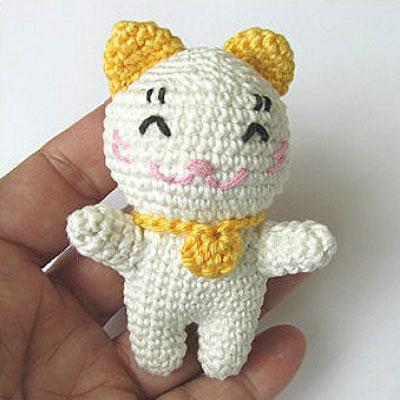 Little amigurumi lucky cat ( Maneki Neko ) - free crochet pattern