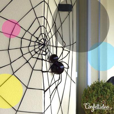 DIY Giant spiderweb - quick and easy Halloween decor