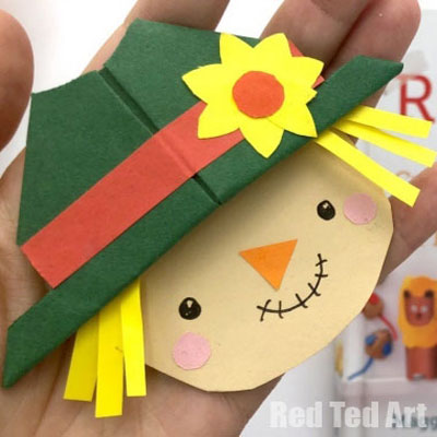DIY Scarecrow bookmark - fun fall paper craft for kids