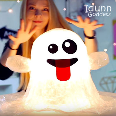 DIY Packing tape ghost emoji lamp - fun & easy Halloween decor