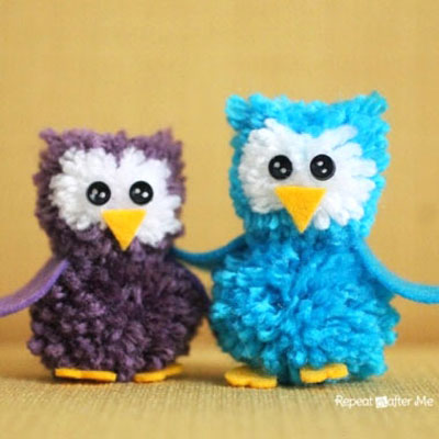 DIY Pom pom owls - fun fall yarn craft for kids