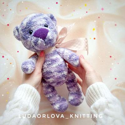 Cuddly purple amigurumi bear (free crochet pattern)