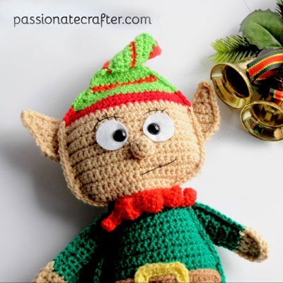 Crochet Christmas elf ragdoll (free crochet pattern)
