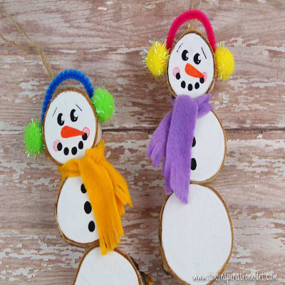 DIY wood slice snowman ornament - Christmas craft