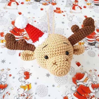 Amigurumi reindeer Christmas ornament (free crochet pattern)