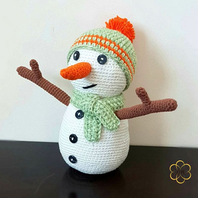 Amigurumi snowman (free crochet pattern)