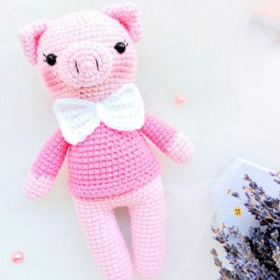Amigurumi gentleman pig (free crochet pattern)