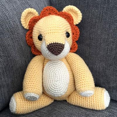 Laurence the amigurumi lion ( free crochet pattern )
