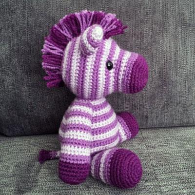 Zane the amigurumi zebra (free crochet pattern)