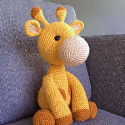 Ginnie the Giraffe Free Amigurumi Pattern | Gehäkelte spielsachen ... | 400x400