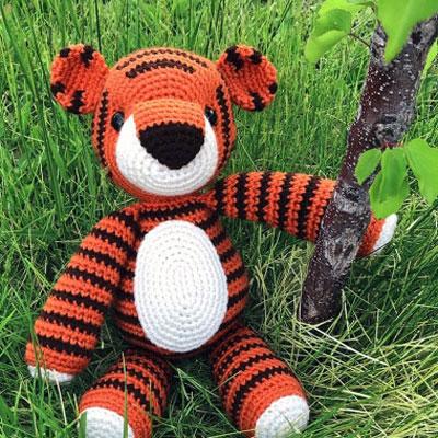Thomas the amigurumi tiger (free crochet pattern)
