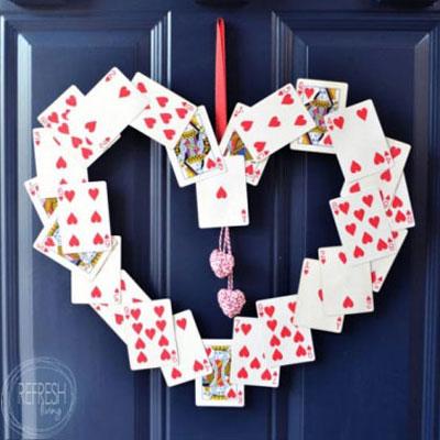 DIY Playing card Valentine's wreath ( Valentine's door hanger )