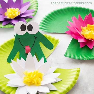 DIY 3D paper plate water lily with a handprint frog - kids craft