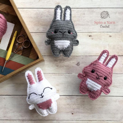 Pocket bunny - little crochet bunny ( free crochet pattern )
