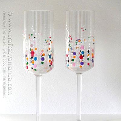 Confetti champagne glasses - New year's eve celebration