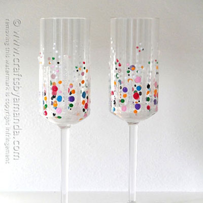 Confetti champagne glasses - New year's eve celebration