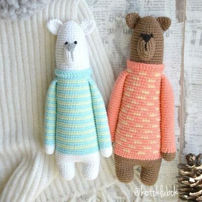 Tall amigurumi bear in sweater (free crochet pattern)