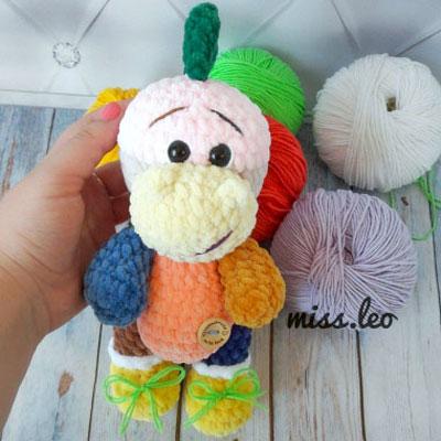 Soft amigurumi dinosaur (free crochet pattern)