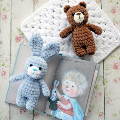 Little soft amigurumi bear and rabbit (free crochet patterns)