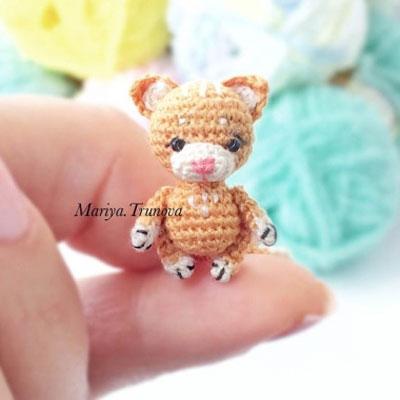 62 Easy Handmade Fun Crochet Pattern Keychains | Crochet keychain ... | 400x400