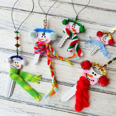 Upcycled snowman christmas ornaments from keys