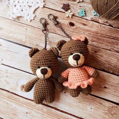 Little amigurumi bear keychain (free crochet pattern)