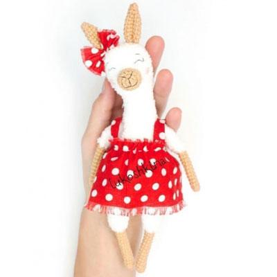 Amigurumi alpaca in dress (free crochet pattern)