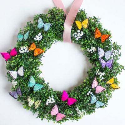 Easy DIY butterfly wreath - spring wreath  (wreath making tutorial)