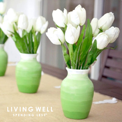 DIY Spring dollar store ombre vase - upcycling craft