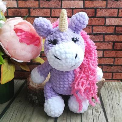 Little soft purple amigurumi unicorn (free crochet pattern)