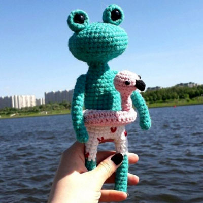 Mr. Joe - the amigurumi frog (free crochet pattern)
