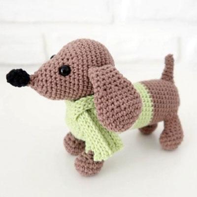 Amigurumi dachshund dog (free crochet pattern & video tutorial)