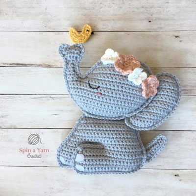 Baby elephant with a bird (free crochet pattern)
