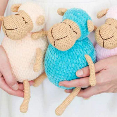 Sleeping amigurumi sheep (free crochet pattern)