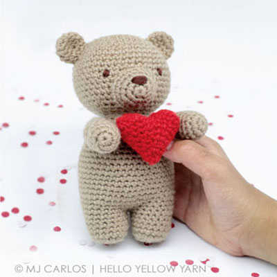 Amigurumi Valentine bear ( free crochet pattern)