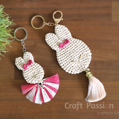 Mon & daughter crochet bunny bag charm - free crochet pattern