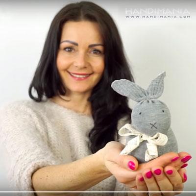 DIY No-sew sock bunny - fun Easter craft