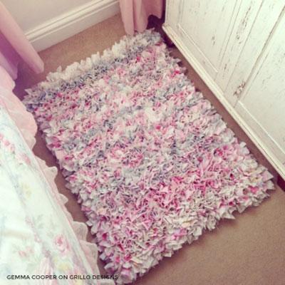 Easy DIY Rag rug - upcycling craft (home decor)
