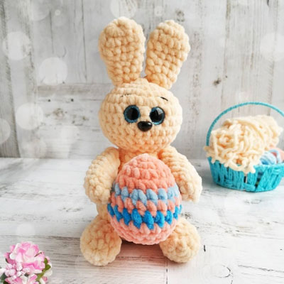 Soft amigurumi Easter bunny (free amigurumi pattern)
