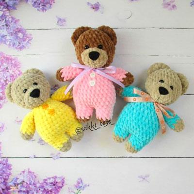 Soft amigurumi bear in pajamas (free amigurumi pattern)
