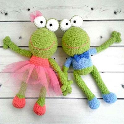 Boy and girl amigurumi frog doll (free crochet patterns)