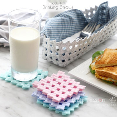 DIY Drinking straw drink coaster - upcycling craft