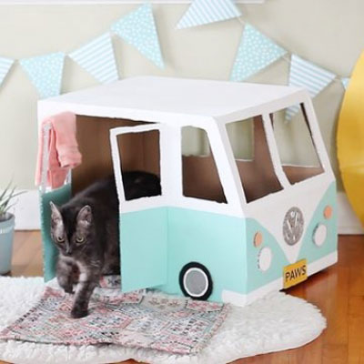DIY Cardboard box Volkswagen bus cat house (video tutorial)