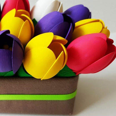 Easy DIY plastic spoon tulip - spring craft for kids