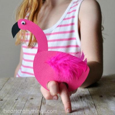 Easy DIY paper flamingo finger puppet - summer craft for kids