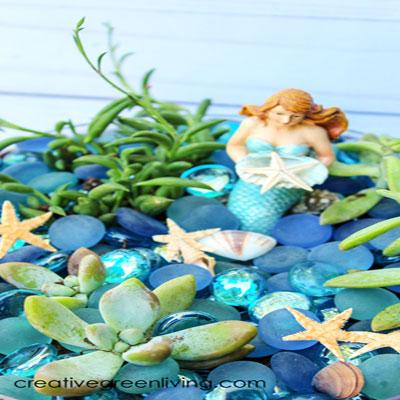 Easy DIY mermaid garden with succulents - summer decor