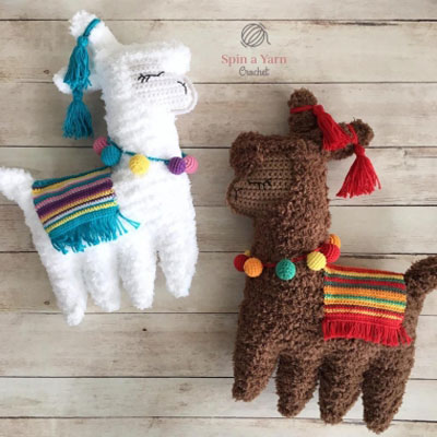 Crochet (ragdoll) llama - free crochet pattern