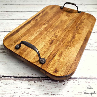 DIY Farmhouse style serving tray from a cutting board - upcycling craft