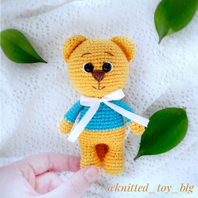 Free Amigurumi Pattern: Kitty Got my Key | Crochet keychain ... | 400x400