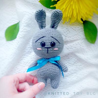 Tiny amigurumi bunny keychain (free amigurumi pattern)
